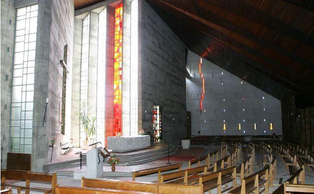 Eglise_St_Yves_2.jpg