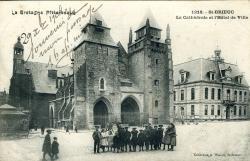 La Cathédrale et l'Hôtel de Ville  |