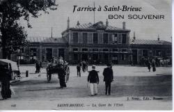 J'arrive à Saint-Brieuc. BON SOUVENIR. La gare de l'Etat.  |