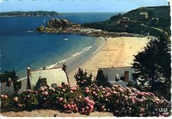 Perros-Guirec. La plage de Trestrignel   