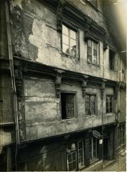 Maison rue Saint-Jacques | Tournegouët, Famille