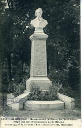Monument à Villiers de l'Isle Adam érigé sur les Promenades de St-Brieuc et inauguré le 30 mai 1914. Elie Le Goff, statuaire  | Le Goff, Elie