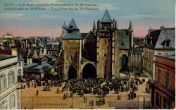 Vue des deux églises paroissiales de St Brieuc : la cathédrale et Saint Michel  |