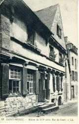 Maison du XVIe siècle, rue de Gouët  |