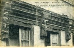 Détail de la façade d'un Hôtel du XVIe siècle, rue St Jacques dite rue au Beurre, appelée maison des Doublet, premiers imprimeurs briochins  | Doublet, Famille