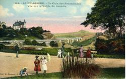 Un coin des Promenades. Vue sur la vallée de Gouédic  |